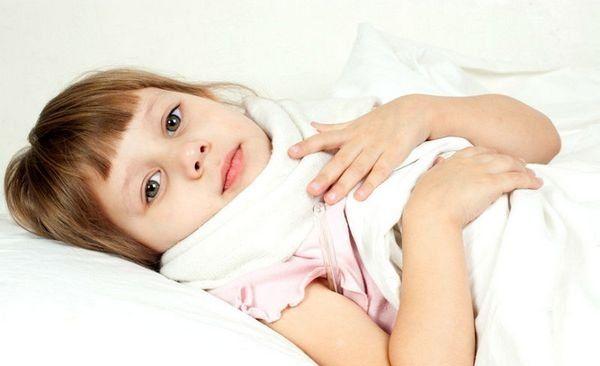 Компресс с камфорным маслом при кашле ребенка