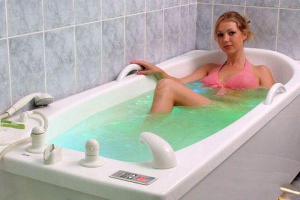 Прием теплой ванны с пихтовым маслом