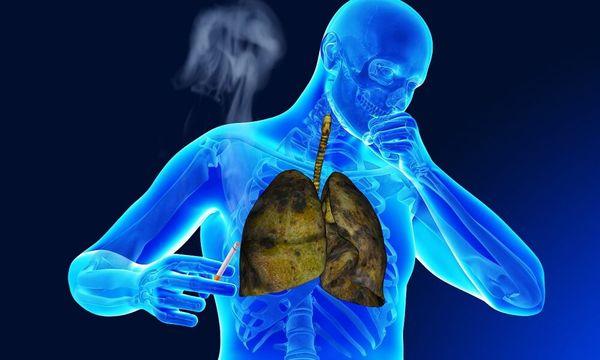 Курение и сильный кашель