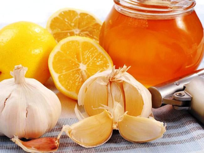 Лук, мед, лимон от кашля