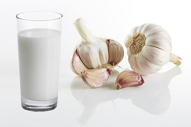 Молоко с чесноком при бронхите thumbnail