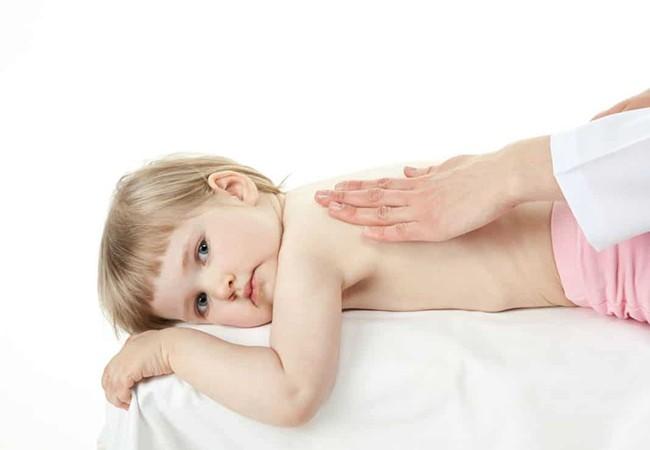 Растирание спины при кашле