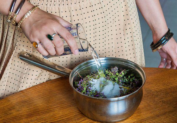 Приготовление сиропа из чабреца для лечения кашля